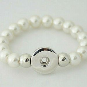 Jewelry - White Interchangeable Snap Button Bracelet
